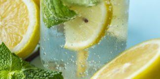 Benefícios da água com limão